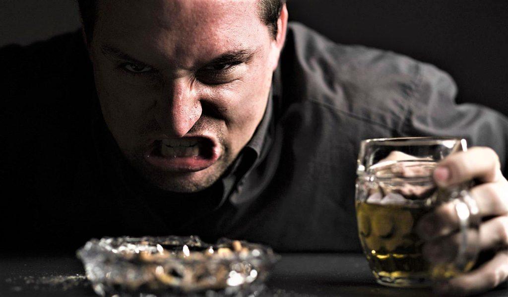 Алкогольный психоз. Симптомы и лечение