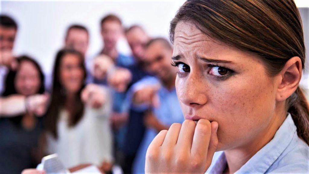 Паническое расстройство с агорафобией (16)