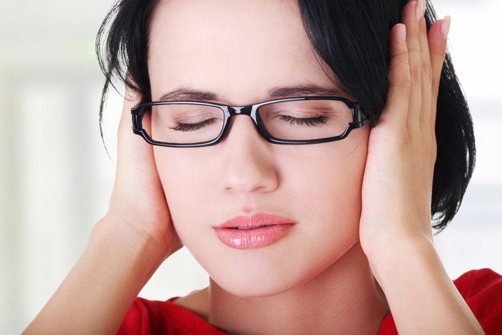 Шум в ушах каким бывает?