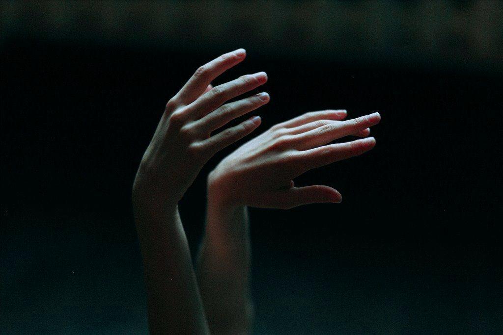 Немеют пальцы ночью