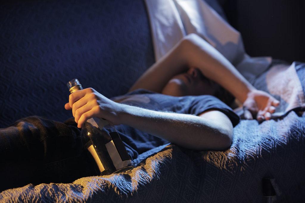 Алкоголь - причина депрессии