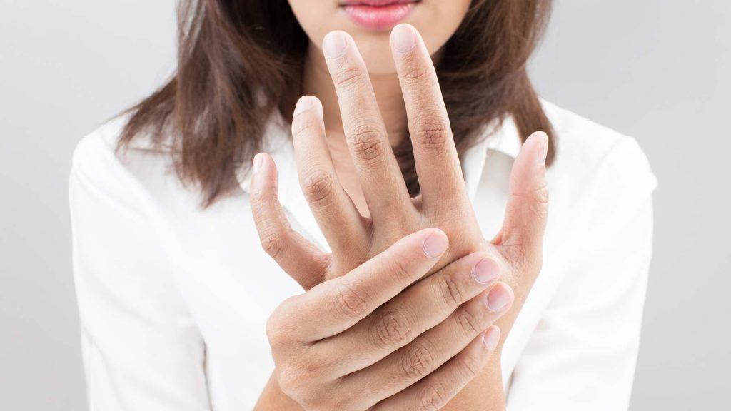 Немеют пальцы как проявляется