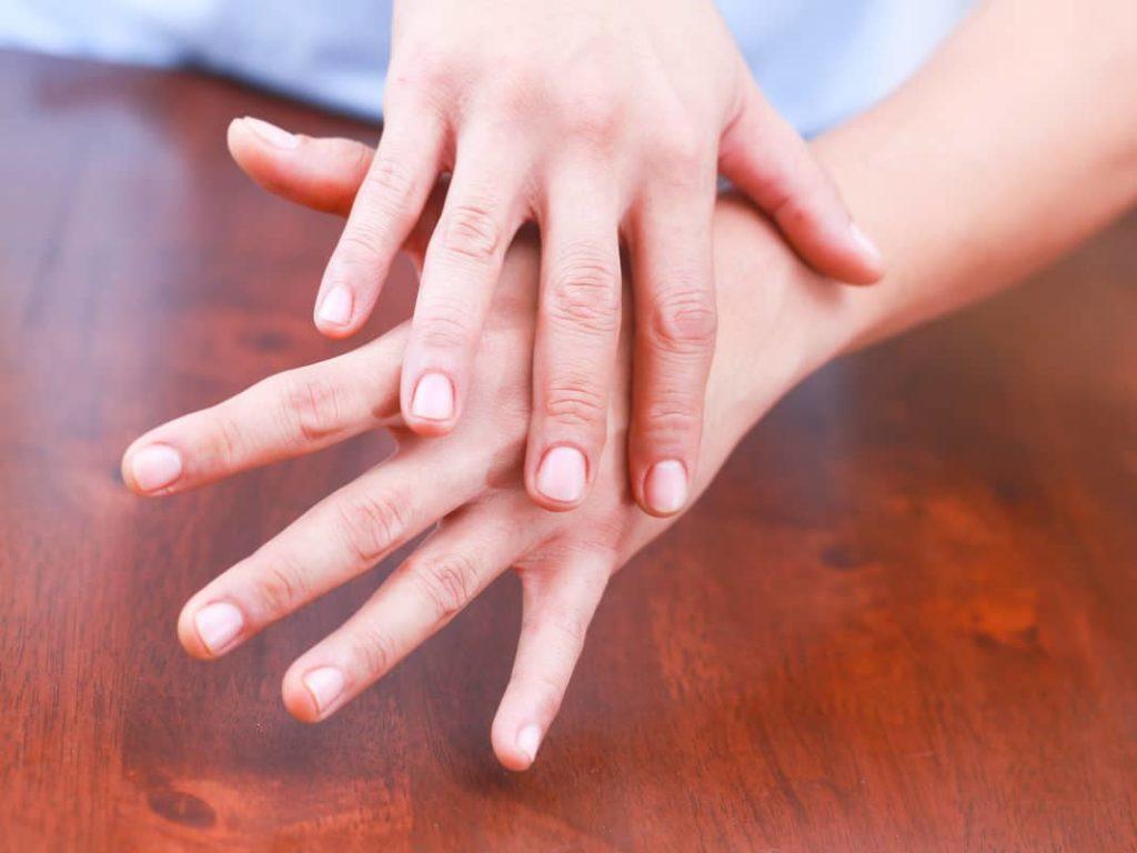 Немеют пальцы синдром