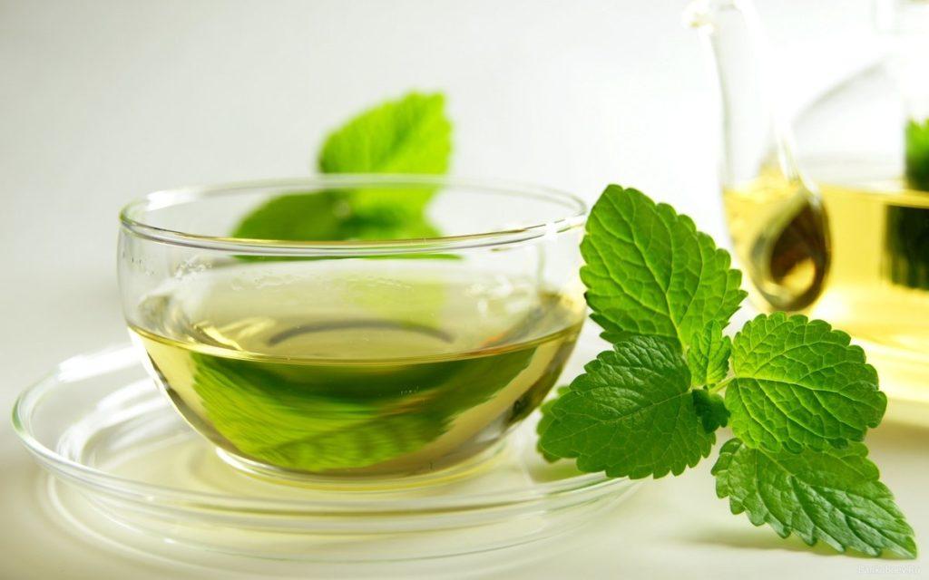 Чай из мелисы от головокружения